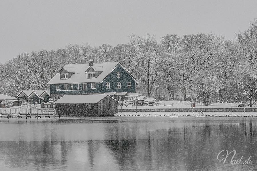 leer-port-snowing