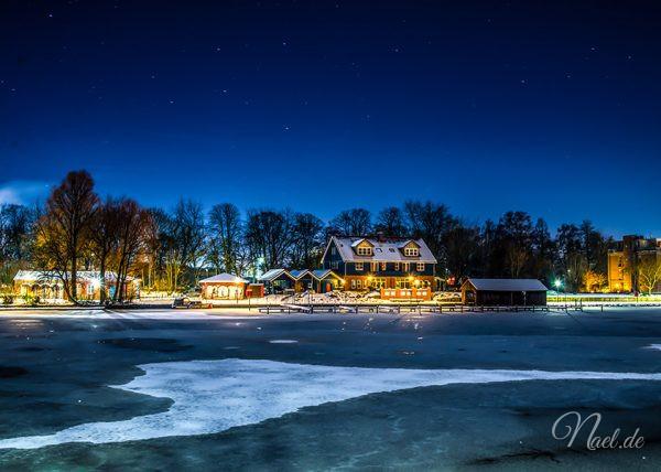 leer-port-winter-night